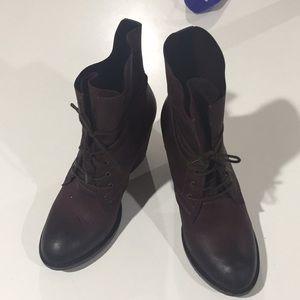 Steve Madden leather Ravina Wine boots size 8.